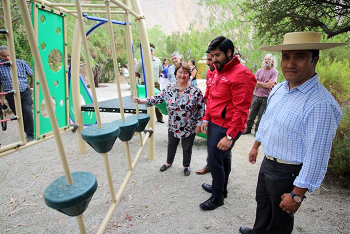 Photo of Inauguran en Cochiguaz nueva plaza donde artesanos esperan a los turistas