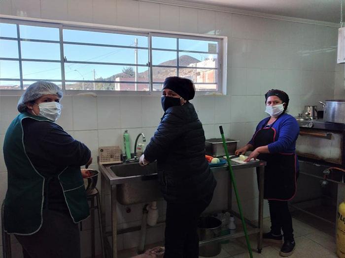 Photo of Vecinos de Algarrobito se unen en torno al comedor humanitario
