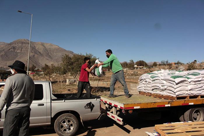 Photo of Exitosa segunda entrega de alimentos para 230 crianceros de la comuna de Vicuña