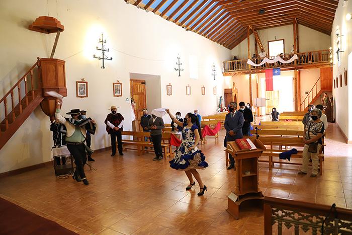 Photo of Realizan una misa a la chilena en la localidad de El Tambo para orar por nuestro país