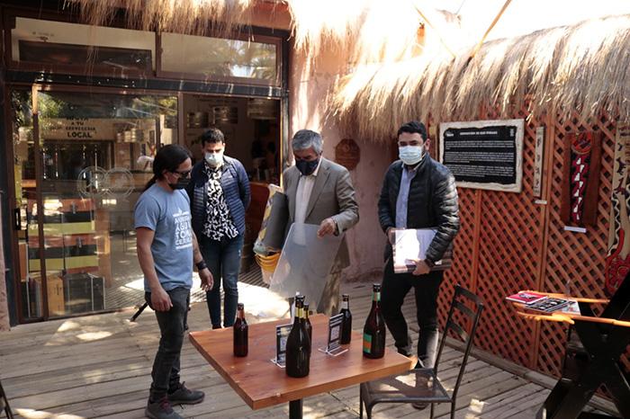 Photo of Locales gastronómicos de la comuna de Vicuña inician preparativos para apertura de sus puertas