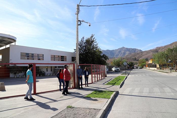 Photo of Seguridad municipal instala nueva cámara de vigilancia en sector de Aguas de Elqui