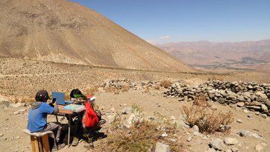 Photo of La historia de Andry y Manuel: los niños que tienen que subir a un cerro para conectarse a sus clases